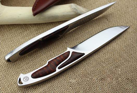 couteau de survie lame fixe