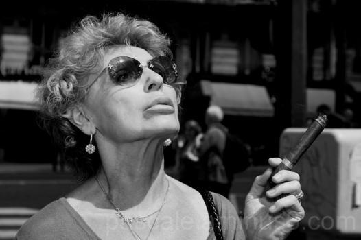 femme et cigare