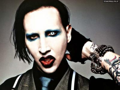 gothique homme maquillage