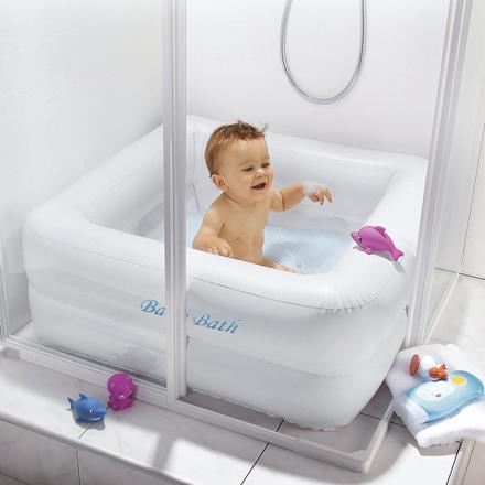 laver bébé dans une douche italienne
